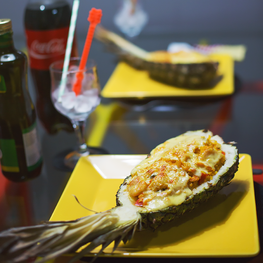 Receita: Camarão no abacaxi + Salmão no abacaxi!